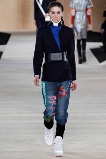 На фото: модные джинсы 2015 от Marc by Marc Jacobs
