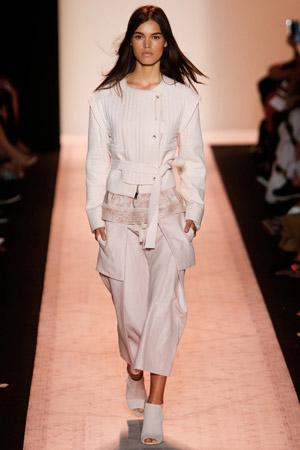 Широкие модные укороченные брюки весна лето 2015 - BCBG Max Azria