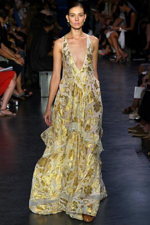 Длинное летнее платье 2015 с золотистым узором – Altuzarra