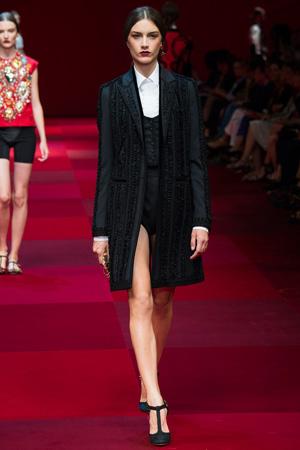 Длинное пальто Dolce & Gabbana весна лето 2015