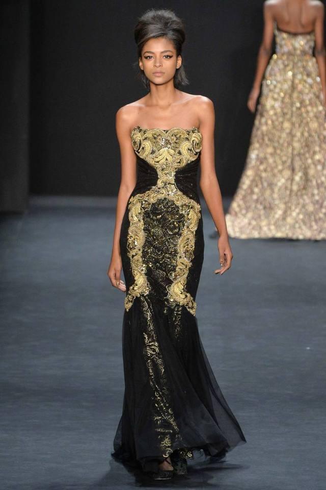 Длинное вечернее платье с золотыми украшениями – фото новинка в коллекции Badgley Mischka