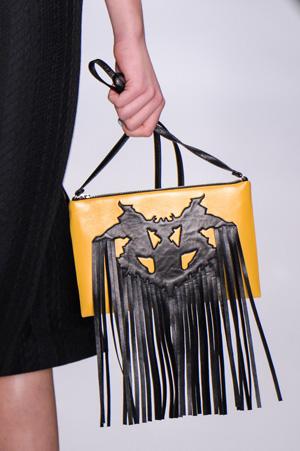 Модная сумка осень зима 2015 2016 с бахромой – фото Dasha Gauser