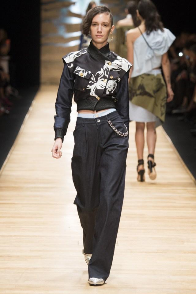 Модные женские широкие брюки 2016 – фото коллекции Guy Laroche на показе на неделе моды в Париже весна-лето 2016