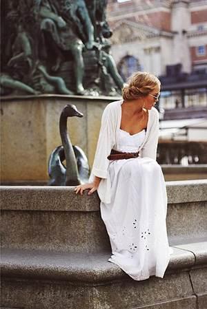 Платья белого цвета фото новинки – с чем носить белое платье