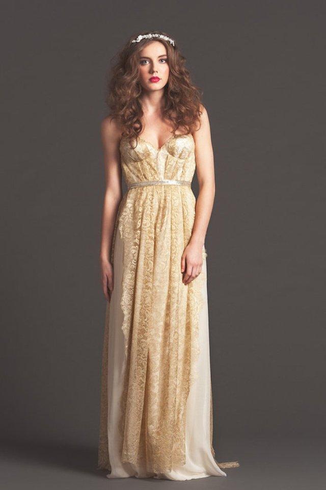 Длинное вечернее золотое платье