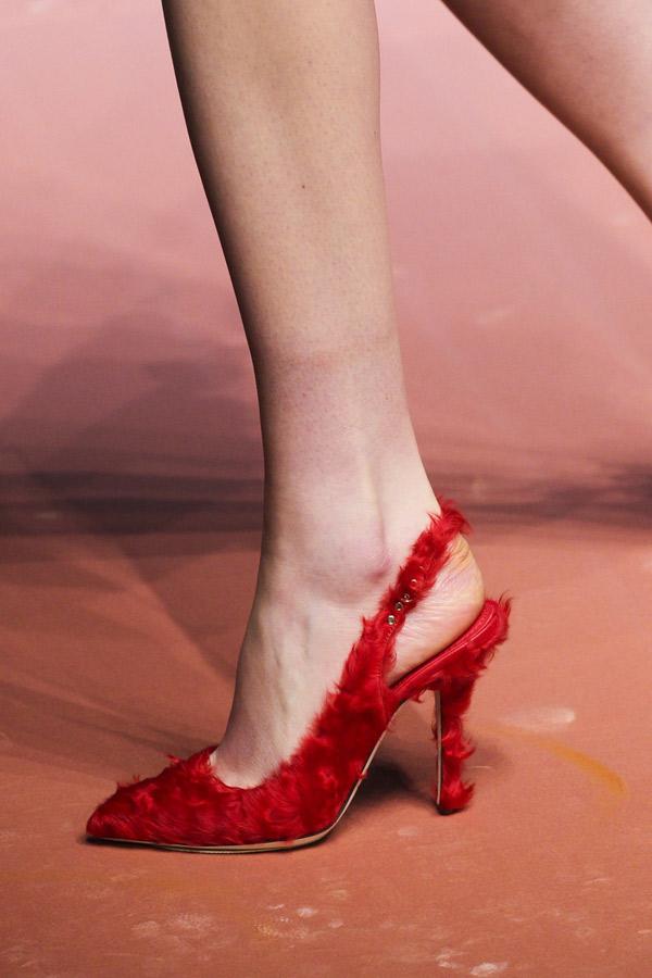 Красные меховые модные туфли 2016 фото Dolce & Gabbana
