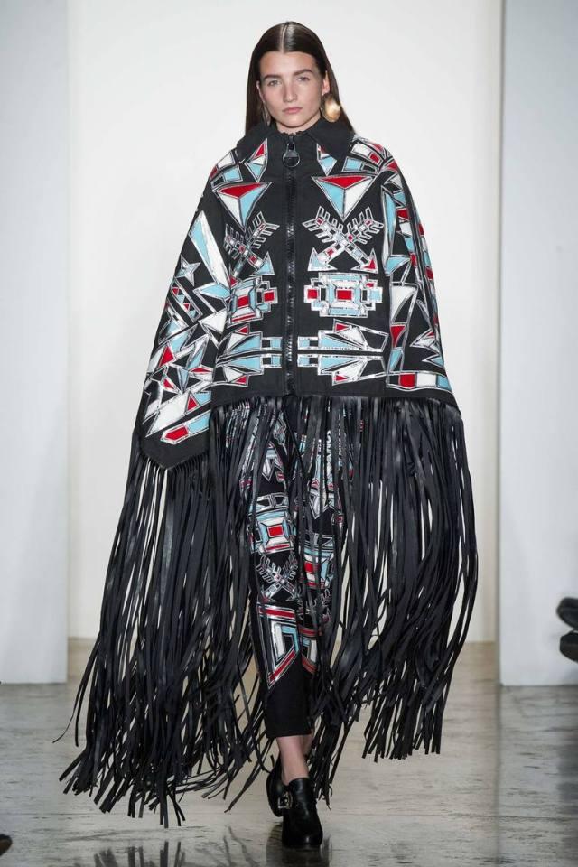 Разноцветное модное пончо 2016 – фото KTZ