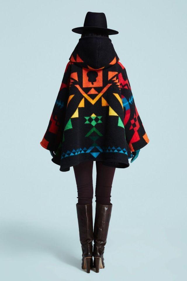 Модная модель пончо-пальто 2016 – фото Lindsey Thornburg