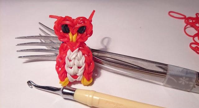 Плетение из резинок на вилке – сова