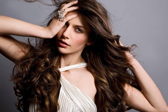 Прическа с волнистыми волосами – 20 самых красивых причесок