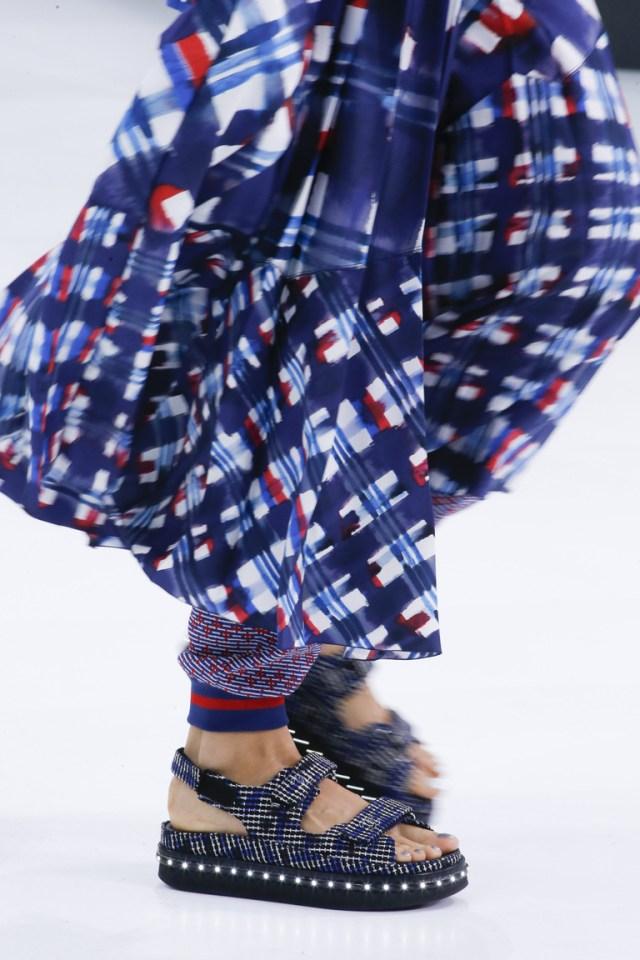 Женские босоножки с ремешками – фото модной обуви 2016 в коллекции Chanel
