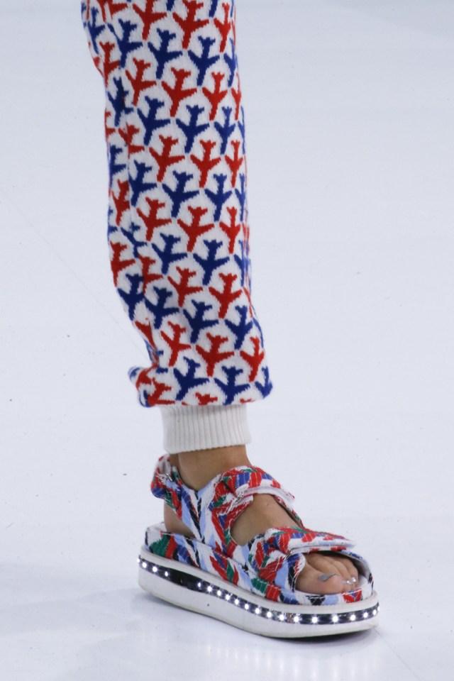 Босоножки Chanel – фото модной обуви 2016