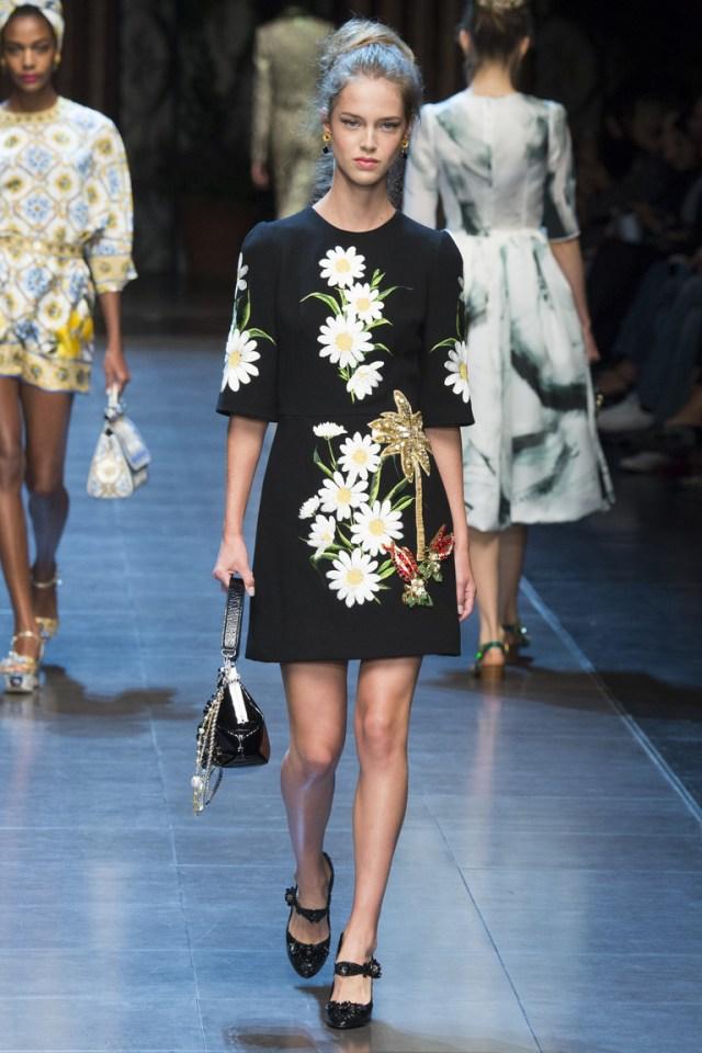 Короткое модное платье 2016 года – фото Dolce & Gabbana