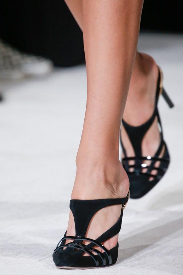 Модная обувь 2016 с ремешками – фото новинки от Oscar de la Renta