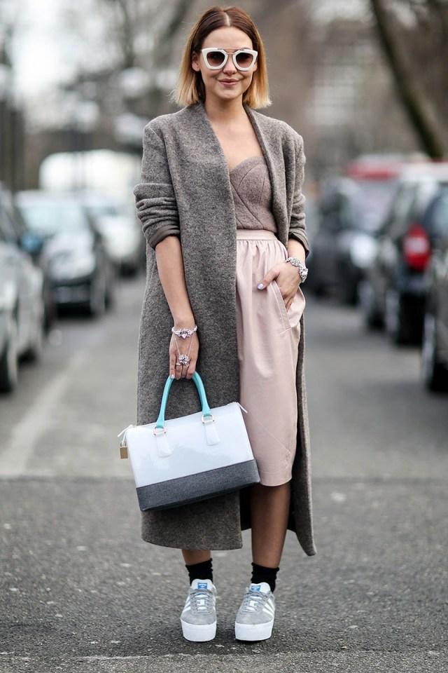 Модное женское серое пальто – фото новинка сезона