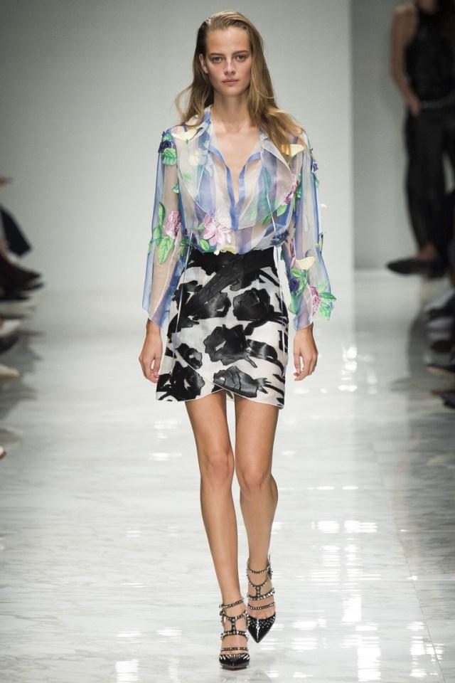 Модная модель короткой юбки 2016 – фото новинка в коллекции Blumarine