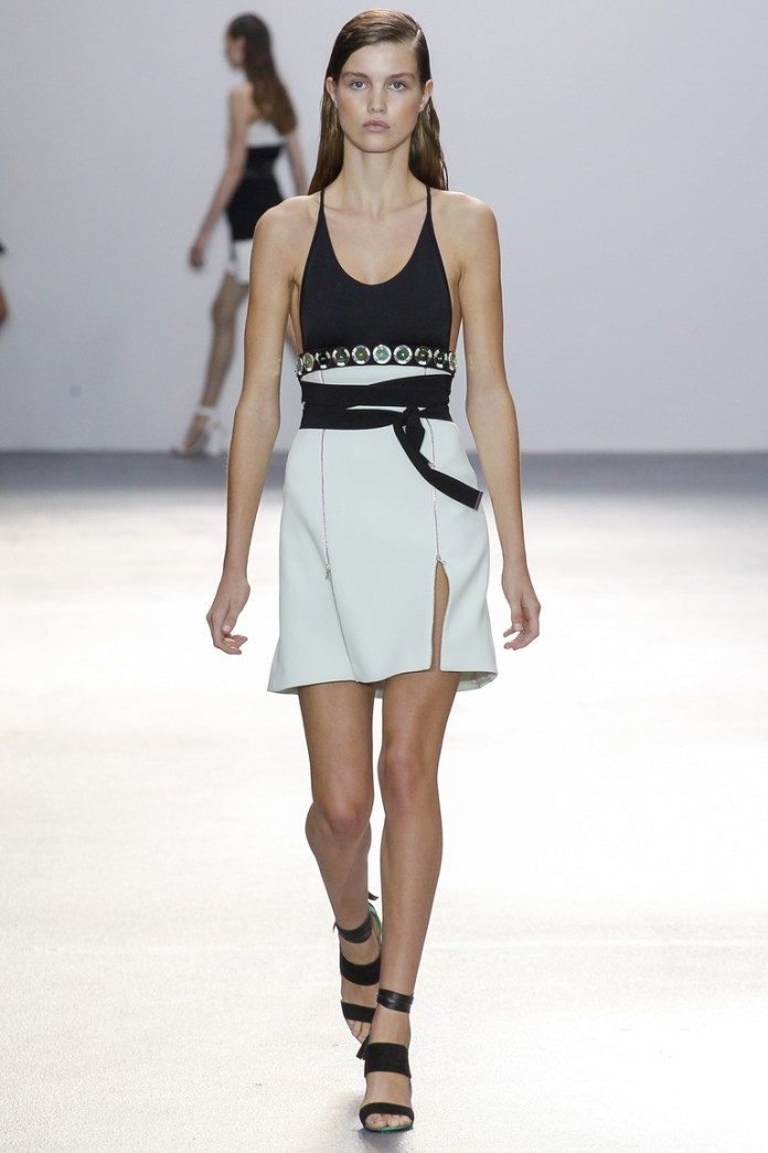 Модная белая модель юбки 2016 – фото новинка от David Koma