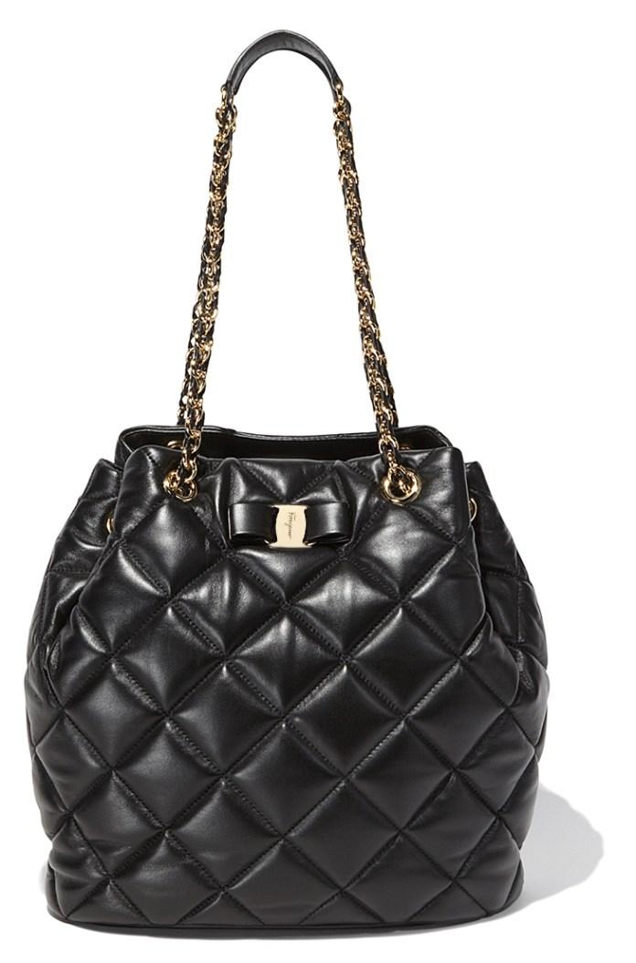 Стеганная модная женская сумка – фото новинки от Salvatore Ferragamo
