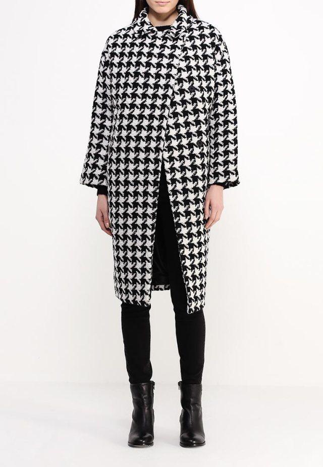 Модная модель пальто оверсайз с интересным узором - LOST INK, примерная цена – 8999 руб