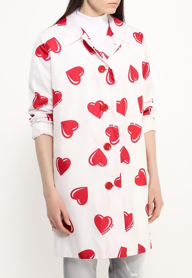 Романтичное пальто оверсайз от Love Moschino, средняя цена – 40 699 руб
