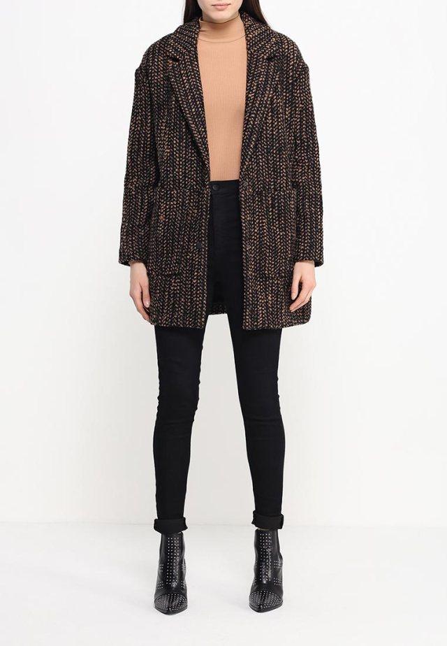 Модное пальто оверсайз Topshop, средняя цена 9299 руб