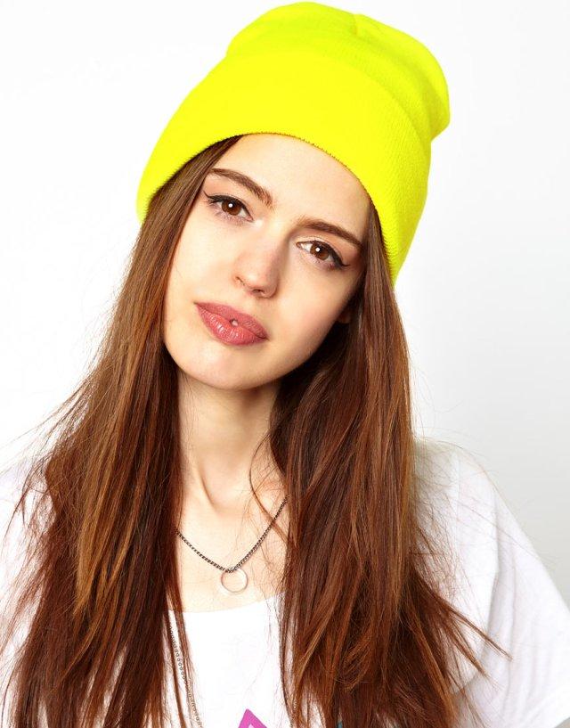 Выбирайте яркие шапки бини – это придаст Вам еще более интересный облик