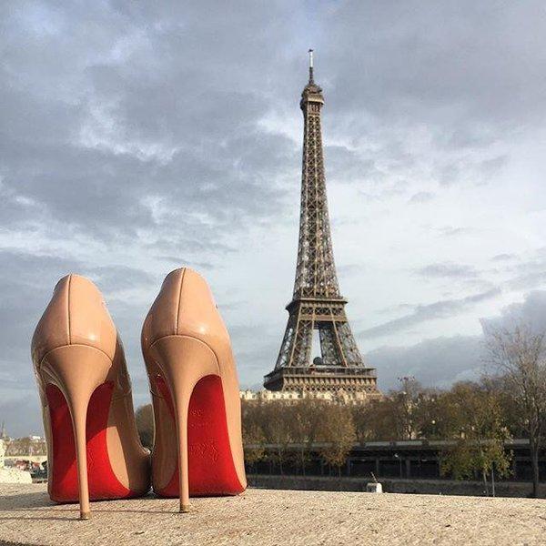 Модные туфли лабутены с красной подошвой – фото новинки сезона
