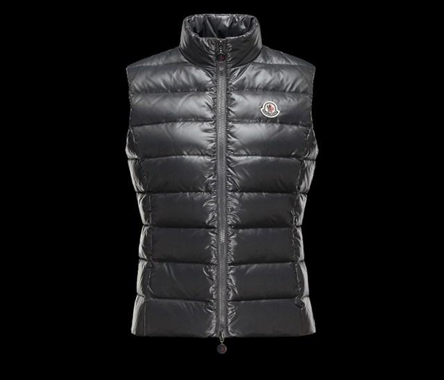 Модная жилетка из зимней коллекции Moncler