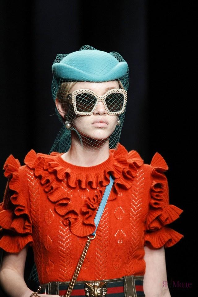 Показ новой коллекции Gucci осень-зима 2016-2017 на Неделе моды в Милане
