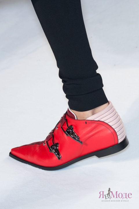 Модные красные туфли в новой коллекции PUCCI осень-зима 2016-2017