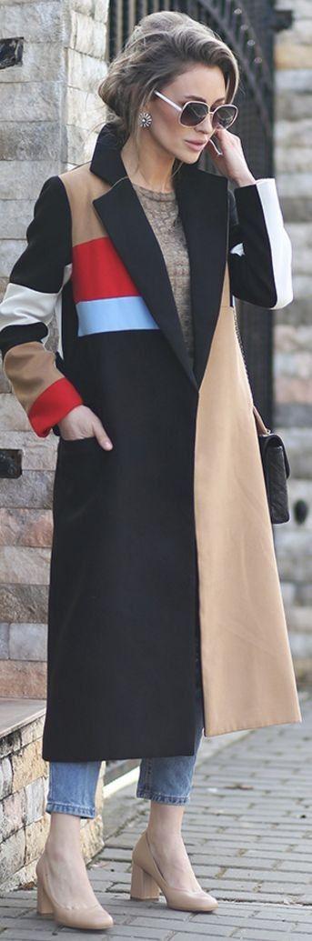 Длинное модное пальто весны 2016 с полосками – фото новинки с показа уличной моды