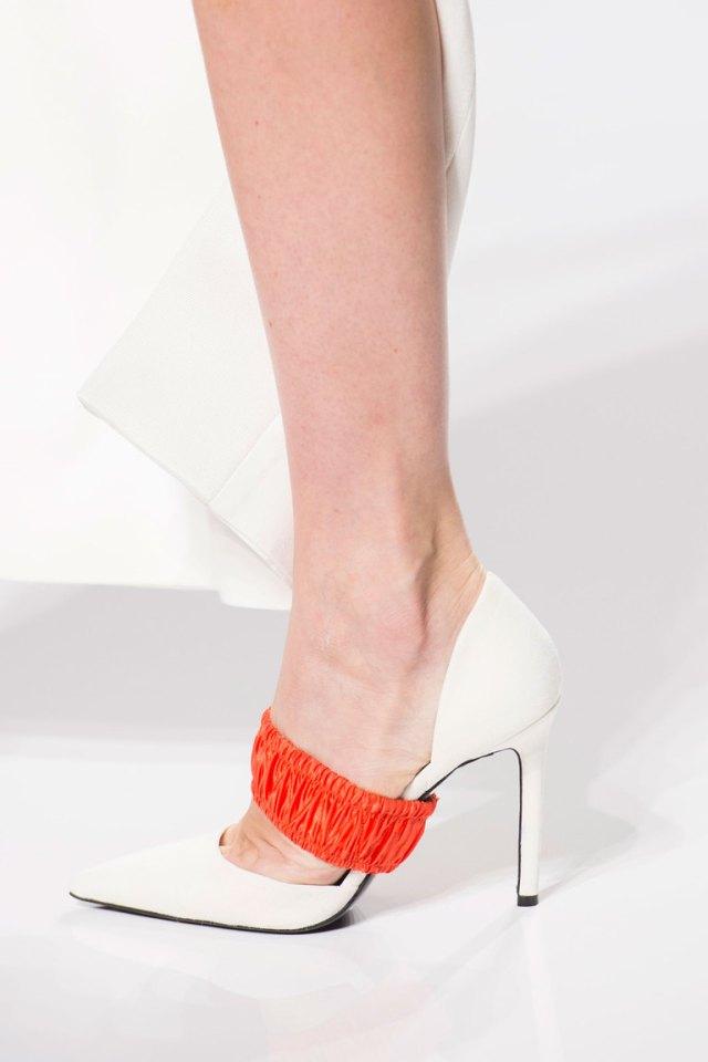 Модная обувь весна-лето 2016: туфли лодочки из коллекции Atelier Versace.