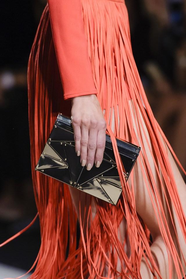 Модные сумки весна – лето 2016 - маленькая сумка из коллекции Elisabetta Franchi.