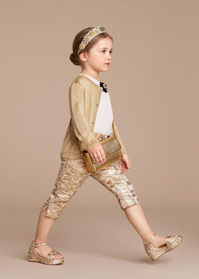 Волшебная коллекция от Dolce Gabbana для маленьких девочек.