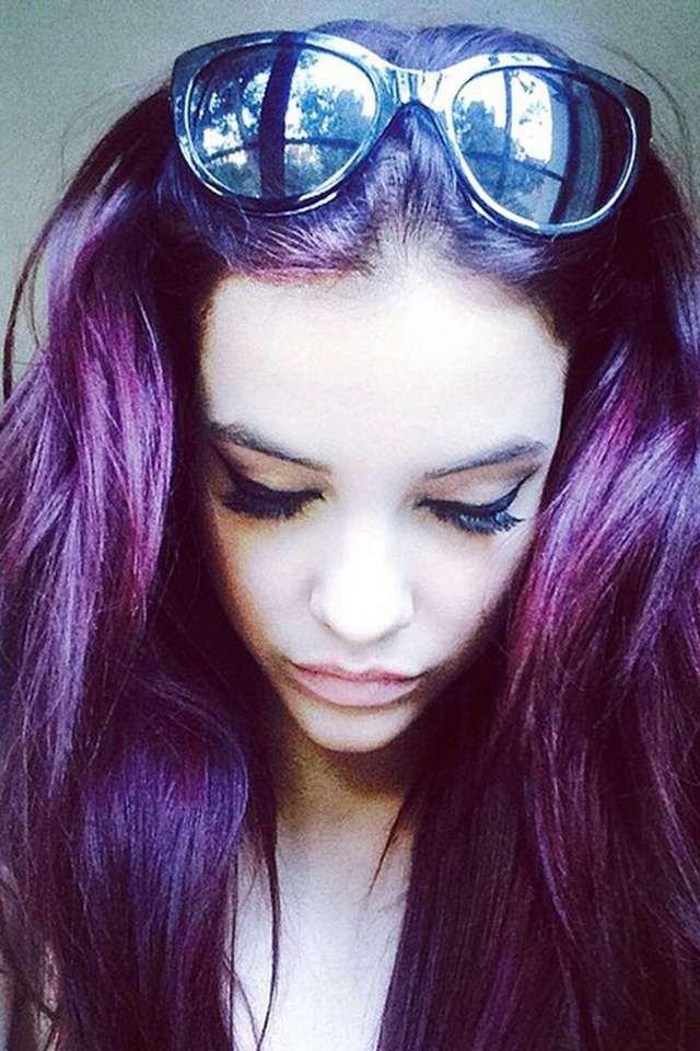 Новый тренд в окрашивании - оттенок насыщенный тёмно-фиолетовый.