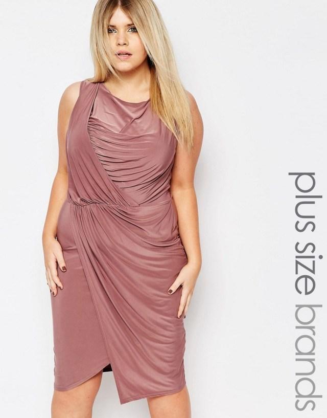 Мода для полных весна-лето 2016 легкое нежного цвета короткое платье.