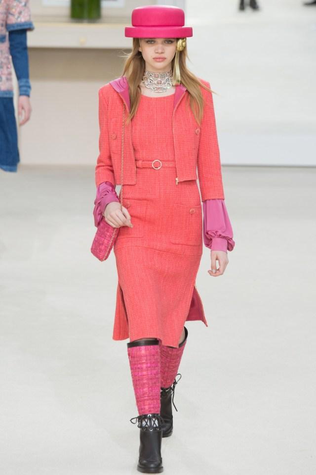 Мода осень-зима 2016-2017 - фото новинки из коллекции Chanel.