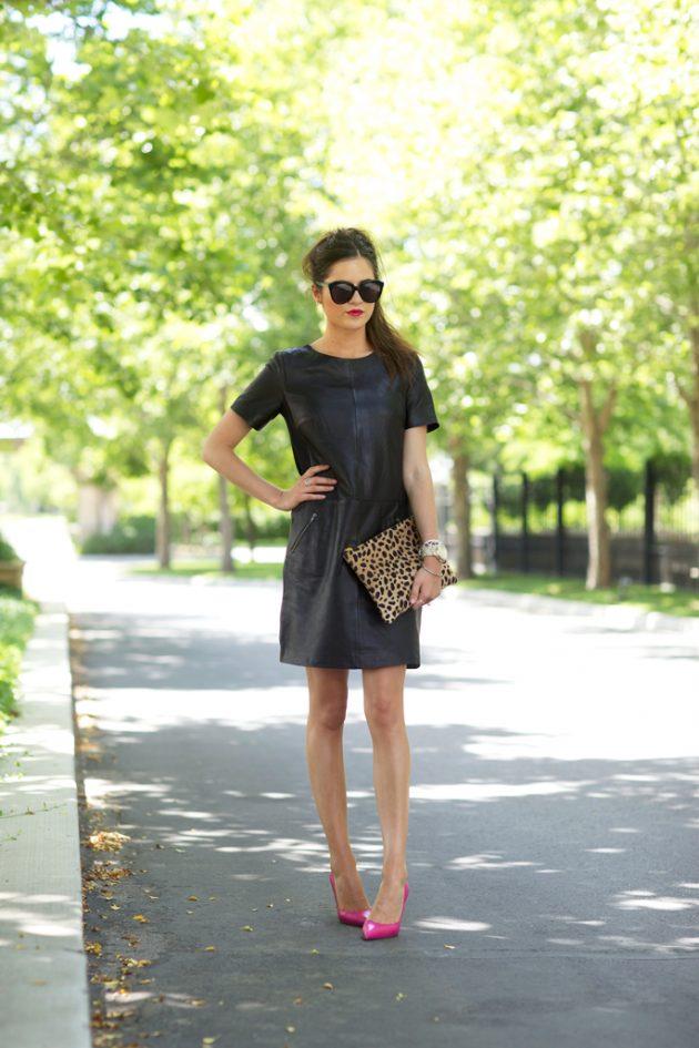 На фото: маленькое черное платье.