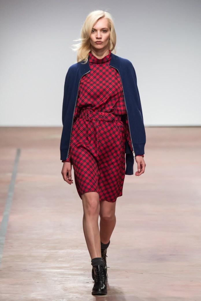 На фото: теплая кофта и платье от дизайнера одежды Александр Терехов осень-зима 2016-2017