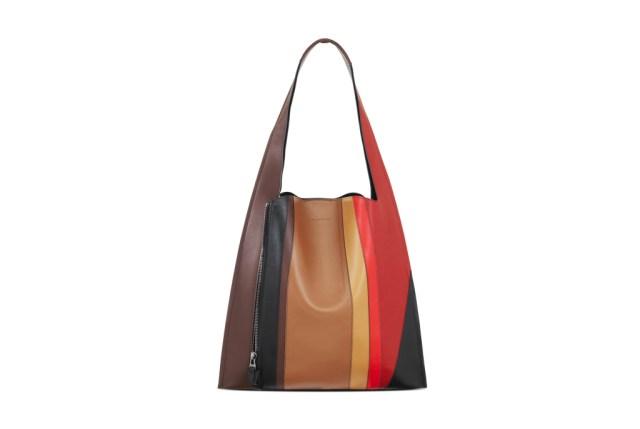 Модные сумки: тренд сезона - сумка классика формы «трапеция» фото из коллекции Elena Ghisellini.