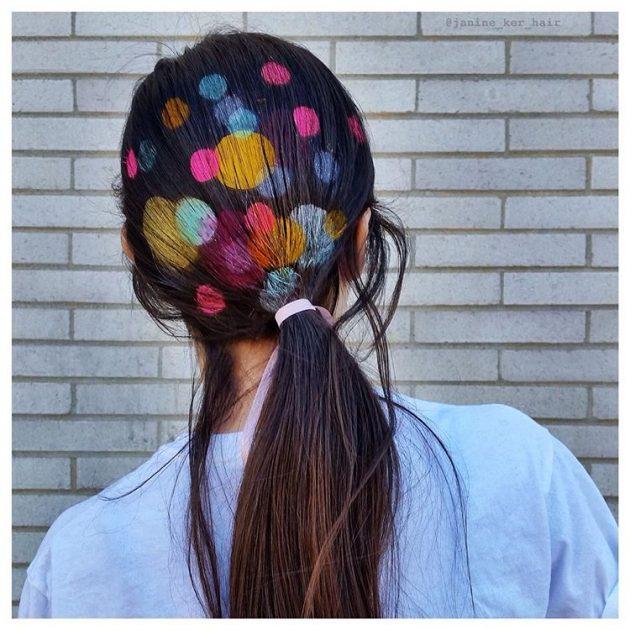 На фото: картины на  длинных волосах – новый модный тренд.