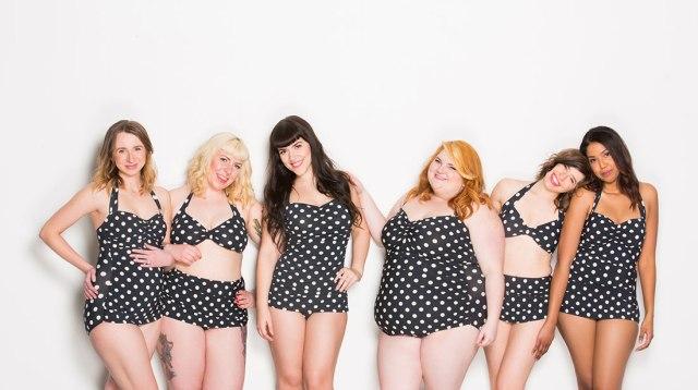 На фото: бикини размера Plus Size.