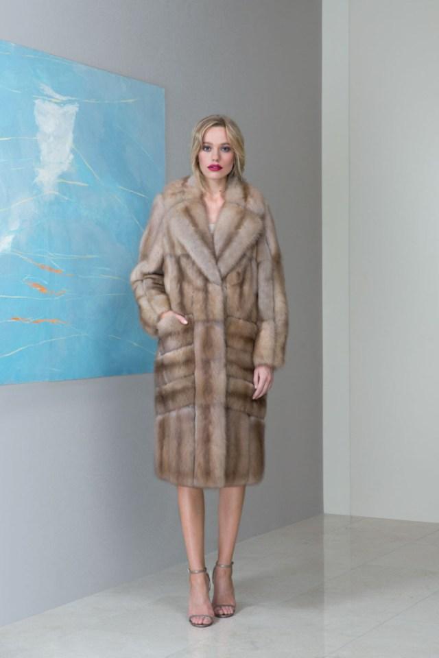 На фото: верхняя одежда сезона осень-зима 2016-2017 из коллекции Emil-Shabaev.
