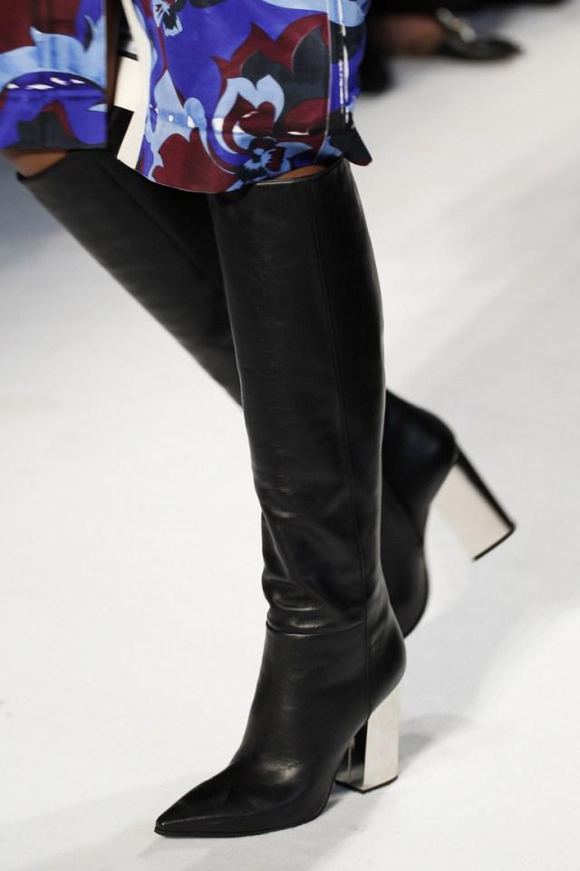 Модные сапоги: толстые каблуки – тренд осени 2016 и зимы 2017 из коллекции Emilio-Pucci.