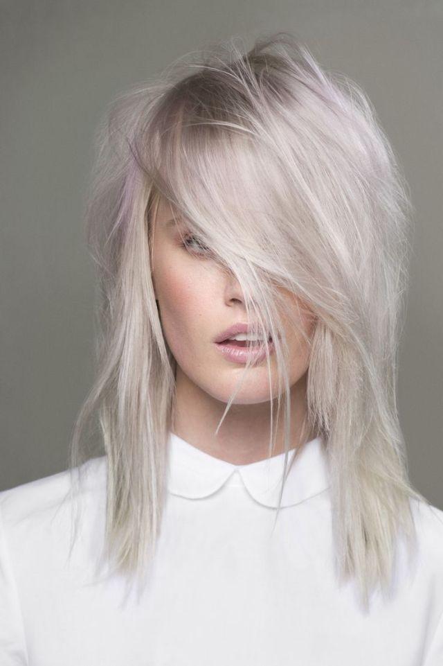 На фото: светлые оттенки волос – трендовые цвета волос осень-зима 2016-2017.
