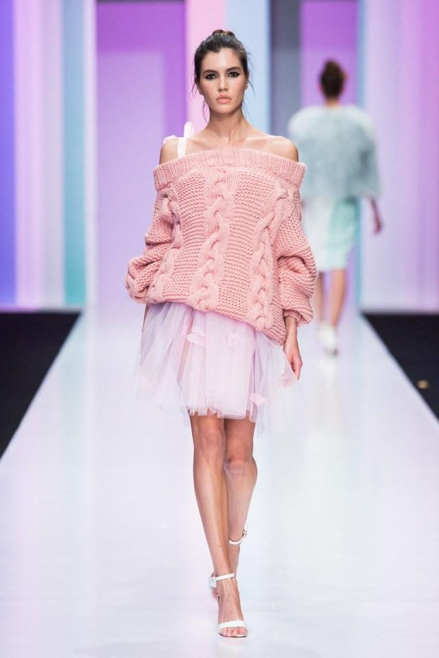 На фото: новый модный образ из коллекции Anna-Ryapasova.