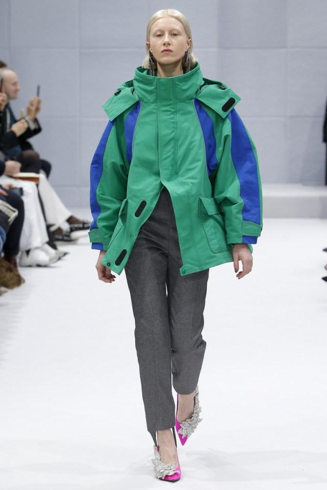 Узкие классические брюки 2017 фотообзор коллекции Balenciaga.