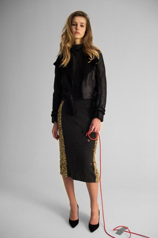 На фото: новый модный образ из коллекции Kalmanovich.