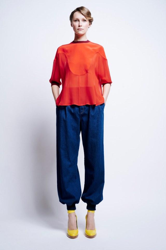 Модные укороченные брюки 2017 с длиной 7/8 – фото новинки из коллекции Karen Walker