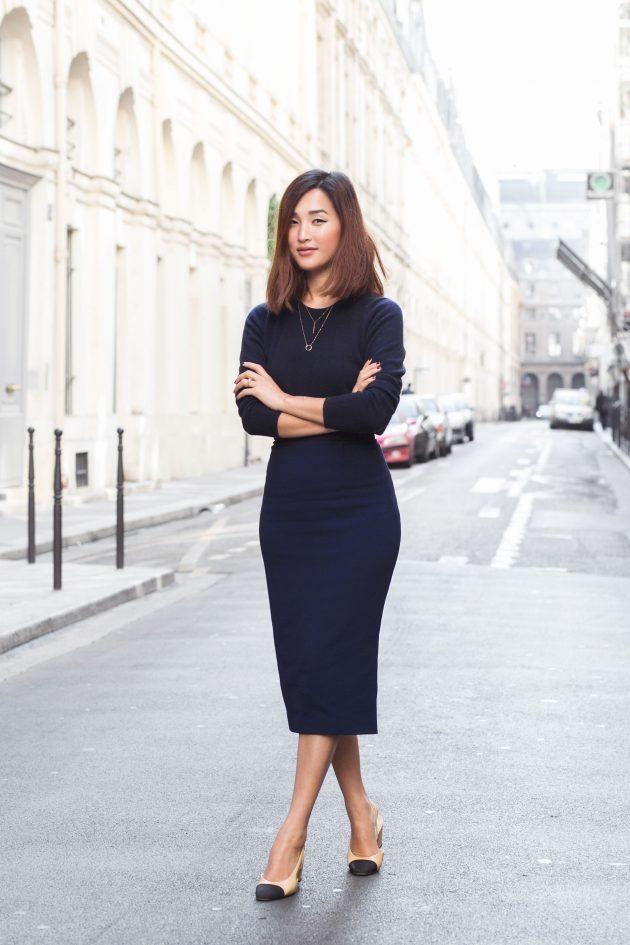 На фото: черного цвета юбка «карандаш» – новинка этого сезона из коллекчии Chanel.